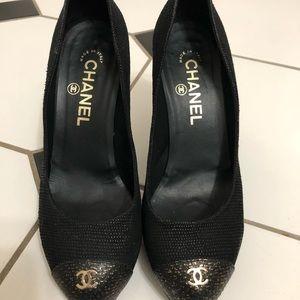 Chanel Black Gold Platform Heels 36.5